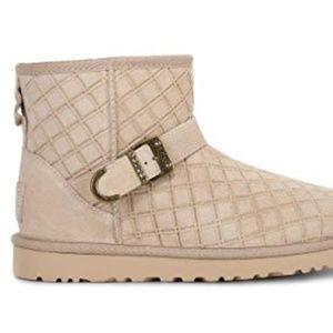 Ugg boots.  Tan size 8 nwot Marilu Double Diamond